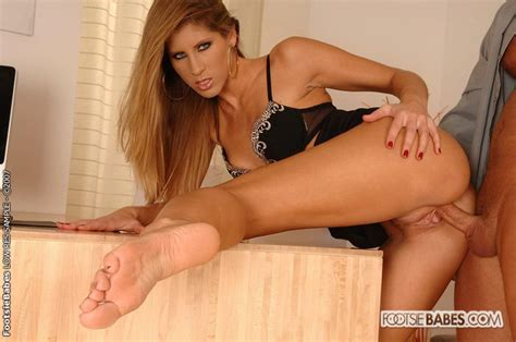 tranny feet soles jpg 700x464